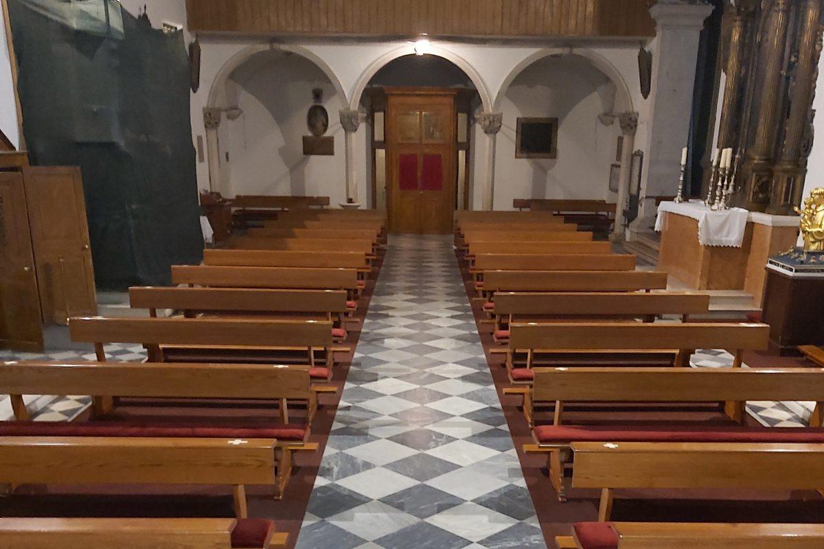 Mjesta u crkvi su označena